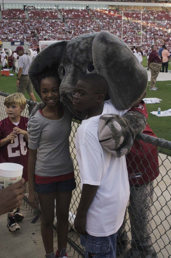 Photo by Hunter Ford/Big Al meets with fans