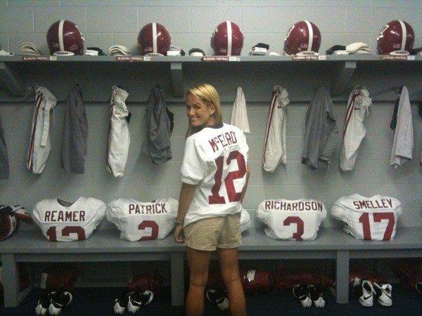 ESPN's Jenn Brown wearing Alabama Crimson Tide jersey